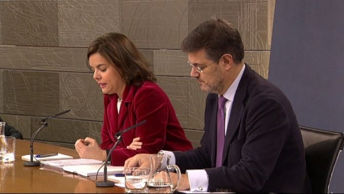 Soraya Sáenz de Santamaría i el ministre Rafael Catalá en el Consell de Ministres
