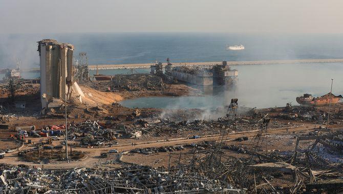 Més de 100 morts i 4.000 ferits en dues enormes explosions al port de Beirut