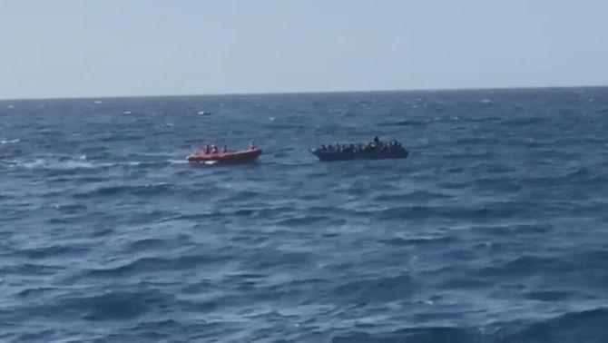 Open Arms rescata 96 persones que viatjaven a la deriva sense armilles salvavides