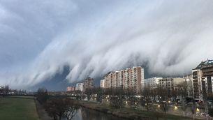 Imponent arc de tempesta de gener