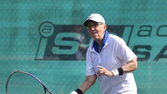 L'insòlit repte de Gail Falkenberg: torna al tenis professional als 74 anys