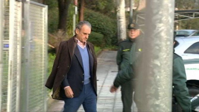 Fiança de 300.000 euros per a l'exbanquer Mario Conde per sortir de la presó