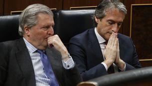 Els ministres Íñigo Méndez de Vigo i Íñigo de la Serna (EFE)