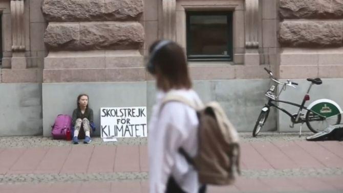 Greta Thunberg protesta davant del Parlament suec