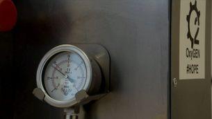 Empreses i enginyers dissenyen respiradors a corre-cuita