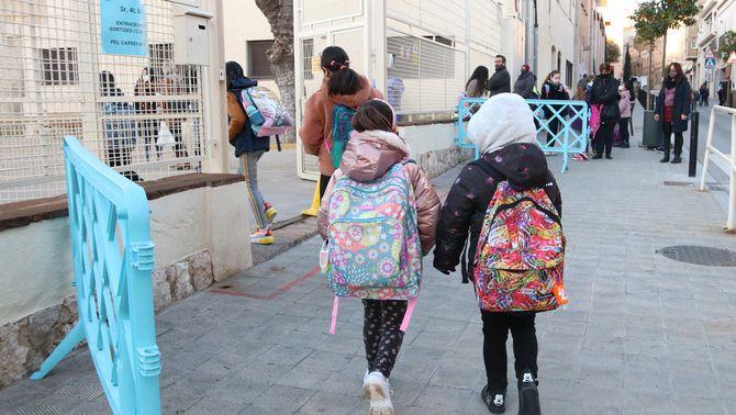 Educació actualitza el protocol de ventilació a les aules per l'augment del fred