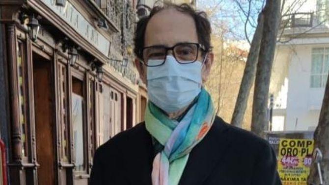 L'actor Jordi Sánchez en la imatge que va penjar a Instagram després de rebre l'alta hospitalària (@jordisanchez_actor)
