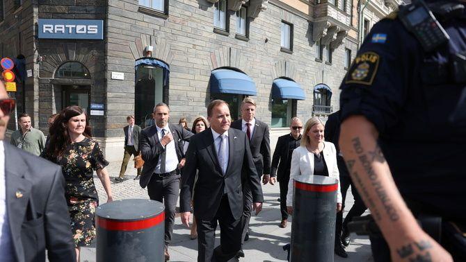 Stefan Löfven arribant al Parlament per la votació de la moció de censura