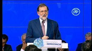 Rajoy diu que actuarà amb intel·ligència per aturar el referèndum i té el suport del PSOE i C's