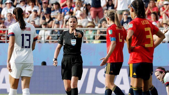 La selecció espanyola cau davant dels Estats Units en un partit en què el VAR ha estat decisiu (1-2)