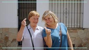 L'Ester i la Vinyet, una mare i una filla que compren juntes al mercat