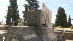 Casals de nens al cementiri per parlar de la mort