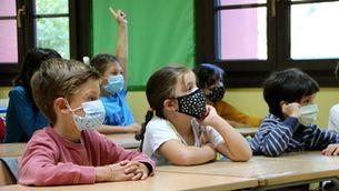 Denuncien dificultats per aplicar l'exempció de dur la mascareta a l'escola per salut