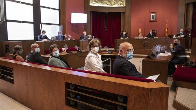 Condemnats per desobediència 4 membres de la mesa del Parlament presidida per Forcadell