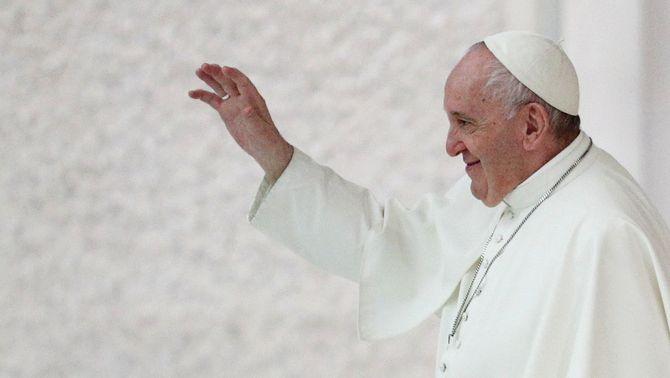 """El papa Francesc avala els casaments civils homosexuals: """"Tenen dret a una família"""""""