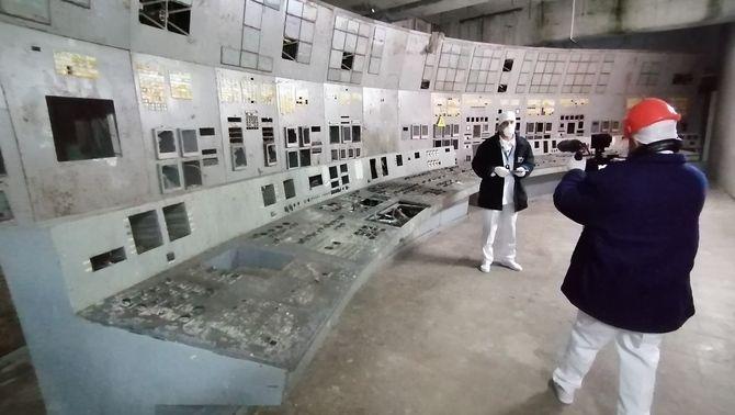 """Entrem a Txernòbil: """"No toqueu res, no deixeu res a terra i no aixequeu pols, és molt radioactiva"""""""