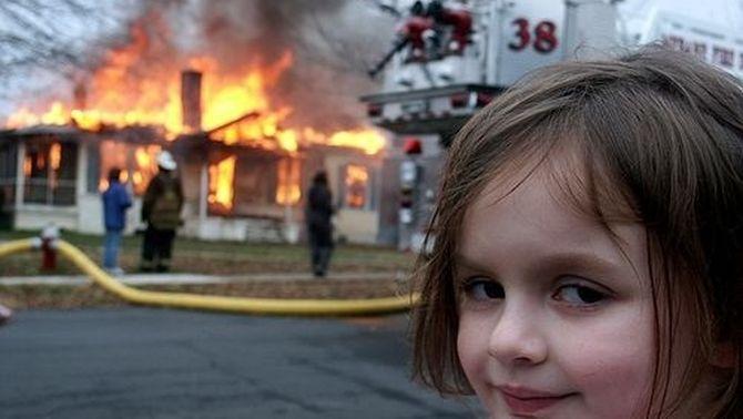 """La protagonista del mem """"Disaster Girl"""" guanya mig milió de dòlars venent-lo en NFT"""