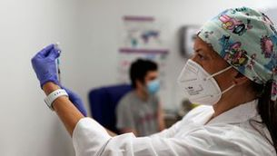 Mothe assegura que les vacunes continuen sent altament efectives davant les noves variants