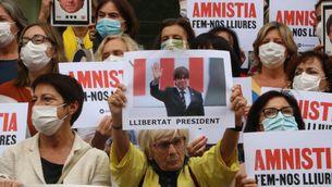Concentració demanant la llibertat de Carles Puigdemont a Girona (ACN/Gemma Tubert