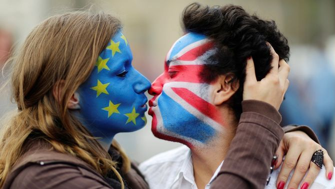 Augmenta la pressió per convèncer el 10% de britànics indecisos davant del Brexit
