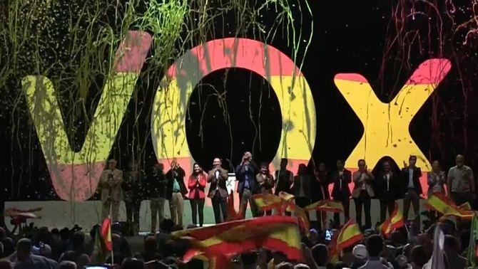 Vox reuneix 10.000 persones amb un missatge contra l'independentisme i la immigració