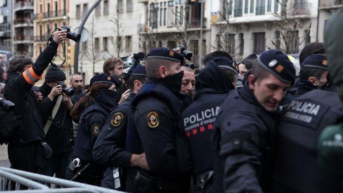 Enfrontaments durant la sortida de les obres del Museu de Lleida, 11 de desembre de 2017