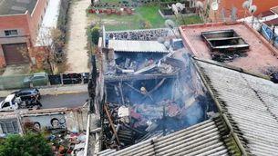Almenys dos morts en l'incendi d'una nau a Badalona on vivien més de cent persones