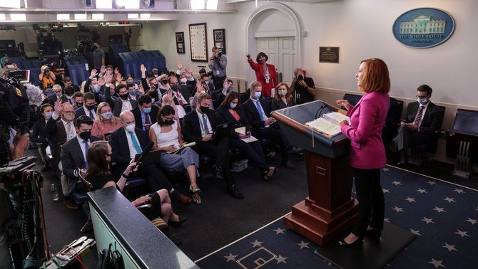 La portaveu de la Casa Blanca, Jen Psaki, ha rebutjat haver de triar entre la tercera dosi i donar vacunes