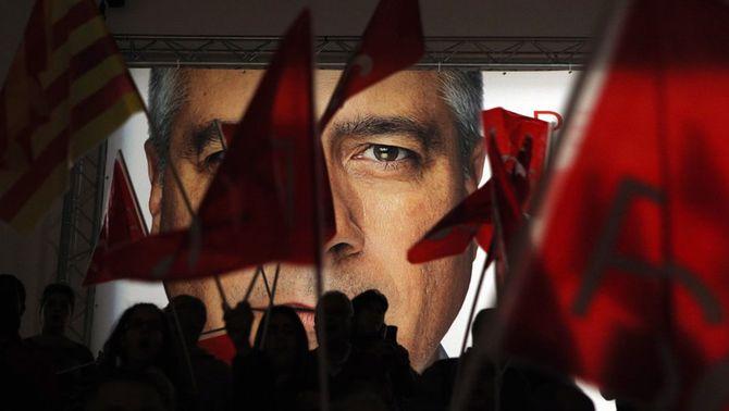 Cartell electoral de Pere Navarro en un dels mítings del PSC