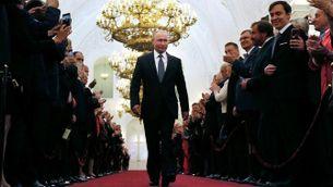 Vladímir Putin, en la passejada prèvia al jurament del càrrec al Kremlin
