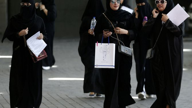 Un grup de dones saudites (Reuters)
