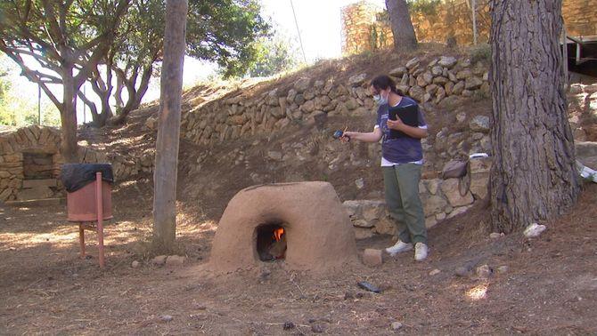 Recreen llars de foc a la Ciutadella Ibèrica de Calafell per estudiar l'edat del ferro