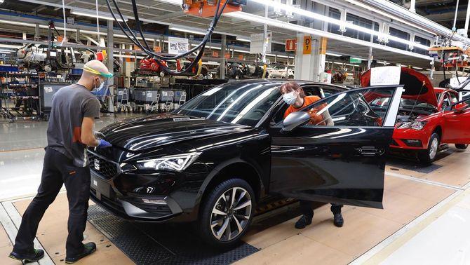 Línia de producció del Seat León a la planta de Martorell (Europa Press)