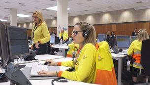Una treballadora de l'atenció telefònica del 061 (Europa Press)