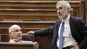 Llamazares ha conversat amb Duran després de la votació. (Foto: EFE)