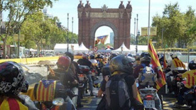 Imatge de la primera manifestació independentista en moto, l'any 2010