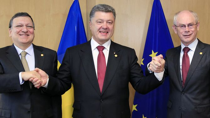 La UE firma l'acord d'associació amb Ucraïna, Geòrgia i Moldàvia mentre Rússia adverteix que prendrà mesures si la perjudica