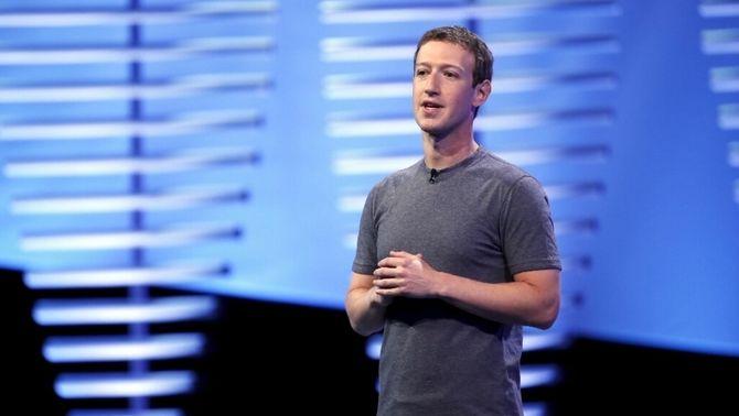 Mark Zuckerberg durant una de les seves ponències