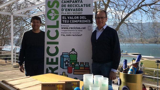 (D'esquerra a dreta) El responsable de Medi Ambient del Consell Comarcal del Pla de l'Estany, Josep Antoni Ramon,  i el seu president, Jor…
