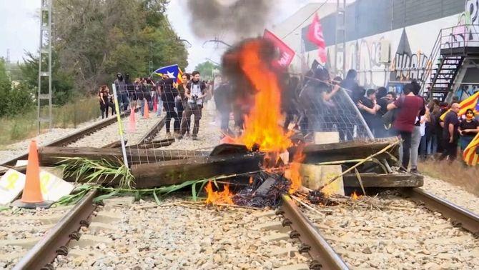 El cost de sabotatges en vies de tren per les protestes fregaria els 2 milions d'euros