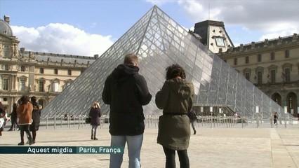 França rebaixa a cent el nombre màxim de persones per a les reunions