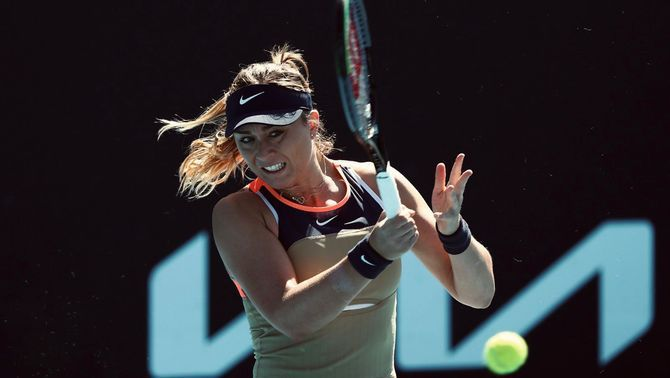 Paula Badosa guanya Belinda Bencic i passa als vuitens de final a Charleston