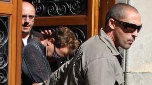 El zelador, traslladat pels Mossos d'Esquadra, en una imatge d'arxiu. (Foto: ACN)