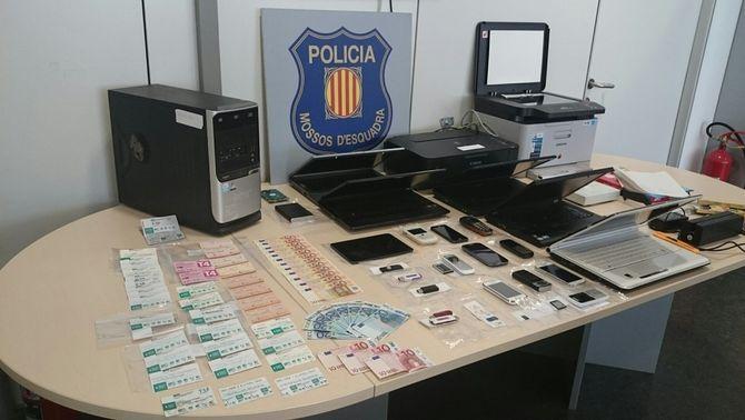 Desarticulada una xarxa de falsificadors de bitllets i targetes de metro, autobús i Renfe