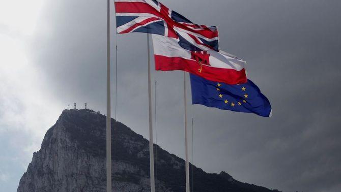 May desafia la UE i Espanya, i inclou Gibraltar en la seva proposta per al Brexit