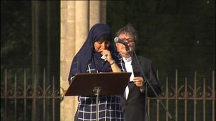 L'emotiu discurs de Hafida, germana dels Oukabir, a Ripoll
