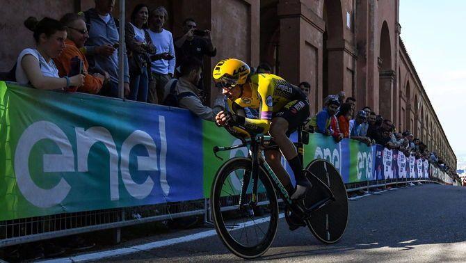 Primoz Roglic domina la primera etapa del Giro d'Itàlia