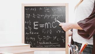 Per què les nenes tiren menys cap a les ciències? Assistim a una classe molt inspiradora