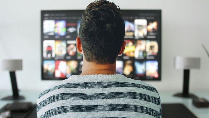 El CAC renya Netflix perquè la presència del català a la plataforma és pràcticament nul·la