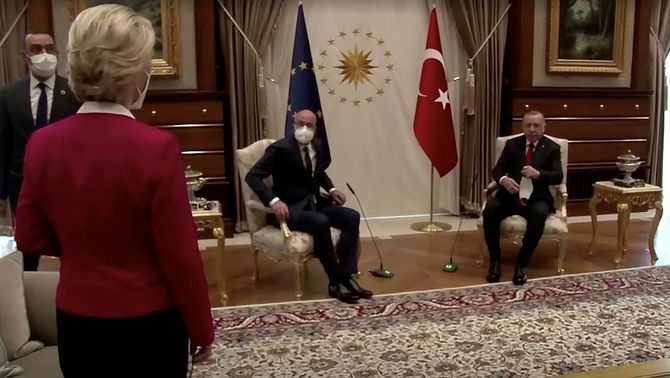 """Draghi titlla de """"dictador"""" Erdogan i el critica per relegar Von der Leyen a un sofà"""